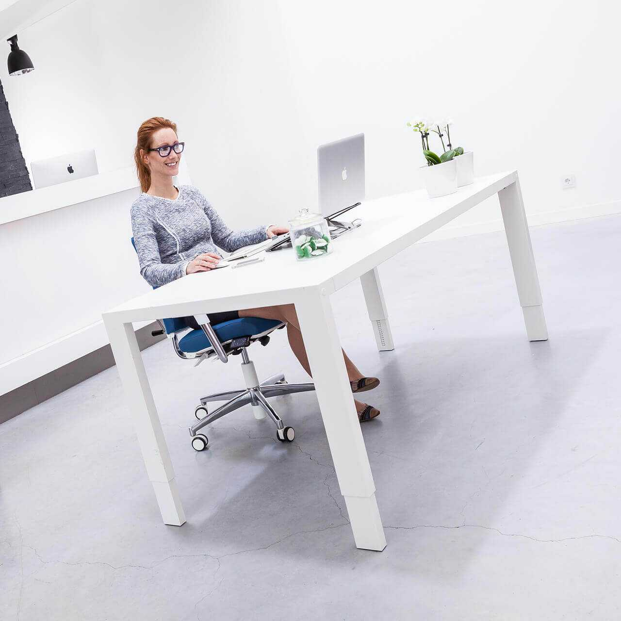 Bma axia 2 2 bureaustoel wit STKAAXI2 2 0005 user