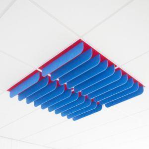Akoestische plafondtegel met lamellen